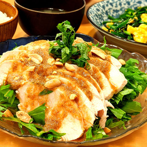 Tender boiled chicken with sweet and sour sesame dressing