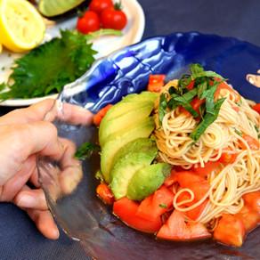 Tomato avocado noodle salad