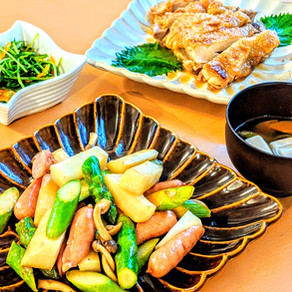 Asparagus and yum quick stir fry