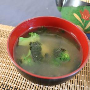 BLOCOLLI AND CORN EASY MISO SOUP