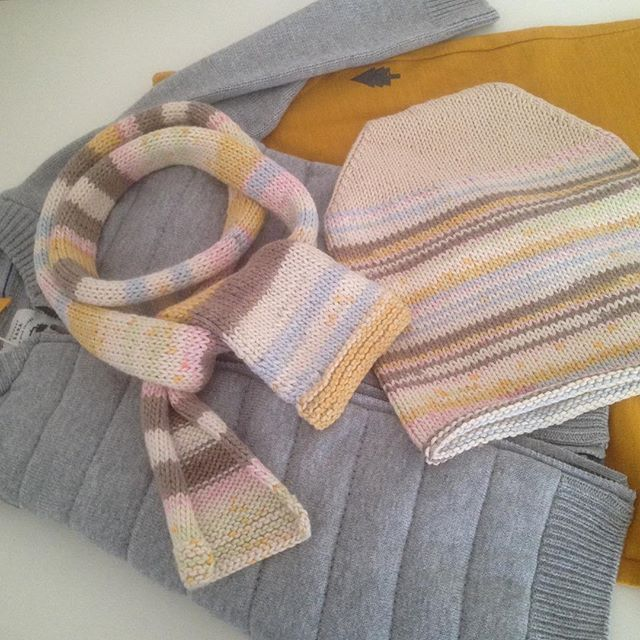 Look of the day 💛🏀☀️_#knitting #knitwear #knittinglove #knitting_inspiration #kniforkids #knitting