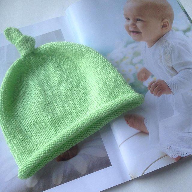 Newborn 🐣💚💭_#newborn #knit #knitting #knitwear #kniforbaby #baby #knitting_inspiration #knittinga