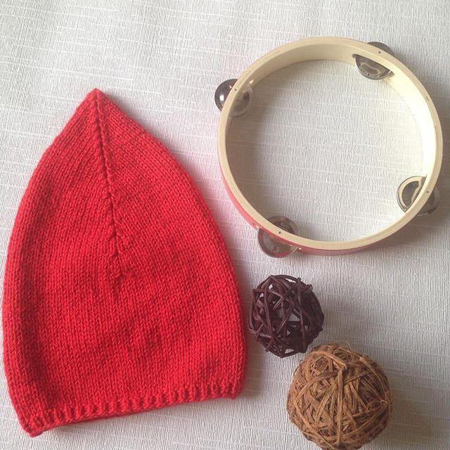 Шапка гнома, подсмотрела на просторах #instagram 🎈🎈🎈, очень захотелось и нам такую❤️ #вязание #вя