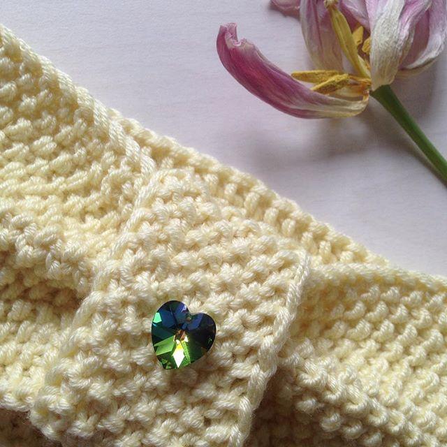 И ещё немного о весенней красоте и 💎🌟💛 #swarovski #вязание #весна #knits #knitting #knitted #vsco