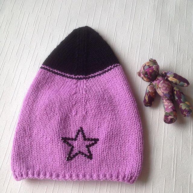 💜💜💜 Самая крутая #звезда 🌟🌟🌟 СВОБОДНА К ПРОДАЖЕ #babyboutiqueru_наличие #вязанаяшапка #вязание