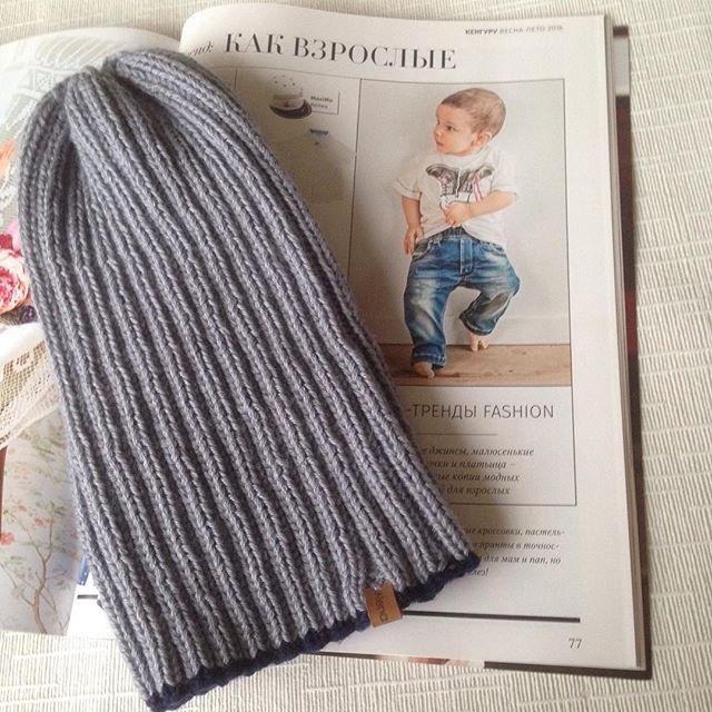 Модные детки #💙👫 #💙🌚 #💙😎 #вязание #вязаниеспицами #вязаниеназаказ #шапка #вязаннаяшапка #handm