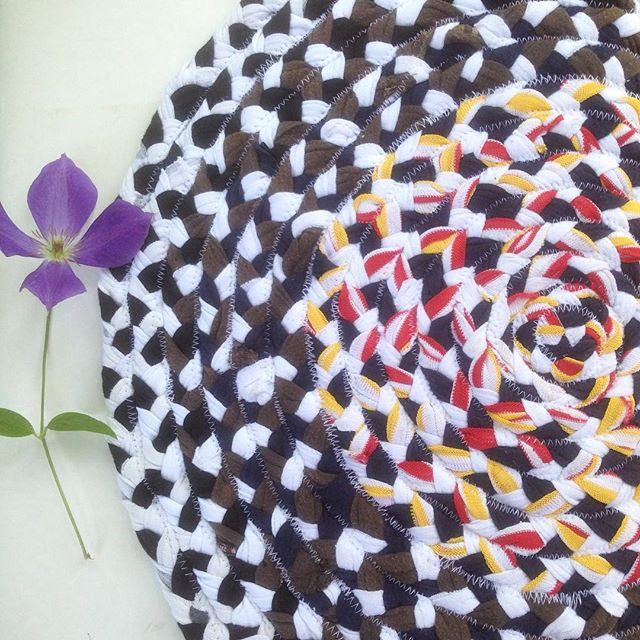 Доброе утречко ☀️!Новый день и новая порция ковриков из трикотажа✨💜✨❤️✨! #доброеутро #июнь #лето #2