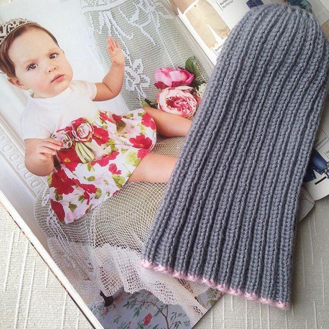 Крутая шапочка для малышки 👑💗 0-2 года #ПРОДАЮ #babyboutiqueru_наличие #спицами #шапкаспицами #шап