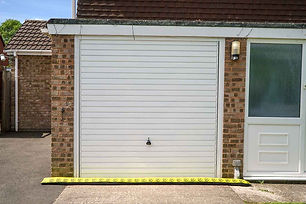 Inflatable-Flood-Barrier-For-Garage-Door
