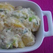 Salada de Batata com Molho de Iogurte