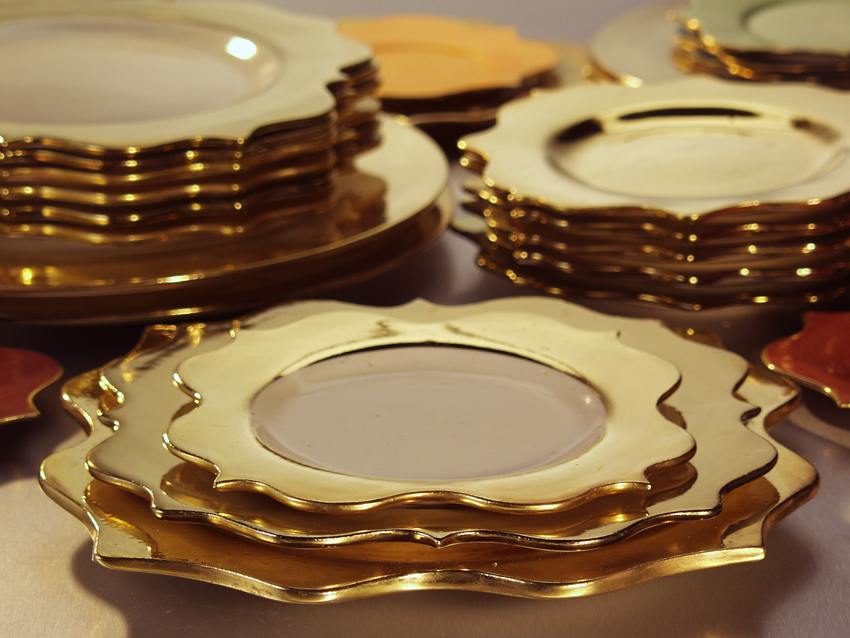 Rococo gold Dinner plates