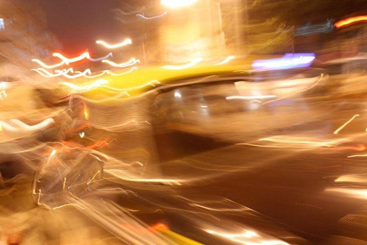 Mumbai Taxi 1 (20x30in)