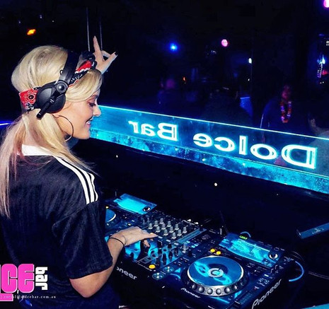 DJ FELINE HIP HOP