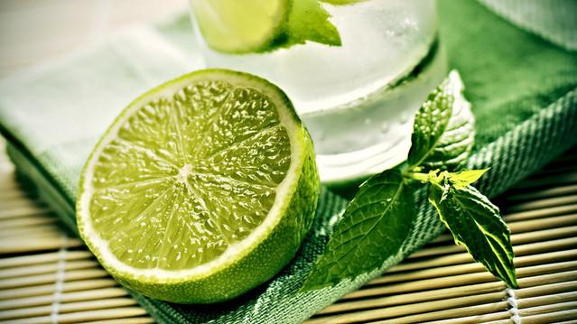 Benefícios do consumo do limão