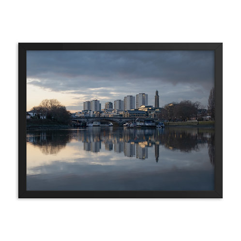 Brentford and Kew Bridge at dusk