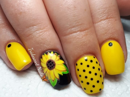 Flower nail designs 2021: cute and stylish design ideas with flowers