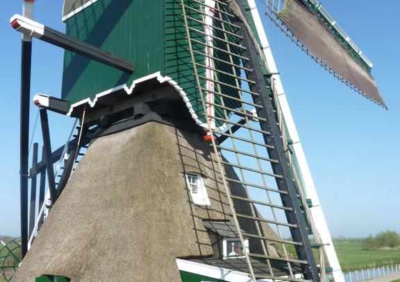 Laat de wieken van de Oukoopse molen maar draaien