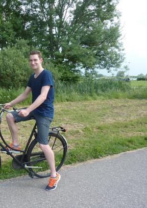 Sven Strijk zwemt, fiets en rent de hele wereld rond.