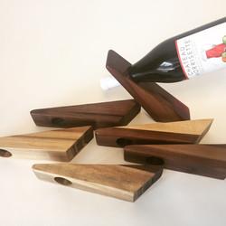 Balancing wine bottle stand