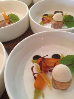 Geconfijte wortel en ijs van foie revered dinner MR