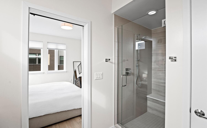 4031 W Conejos Pl-large-018-019-Bedroom-