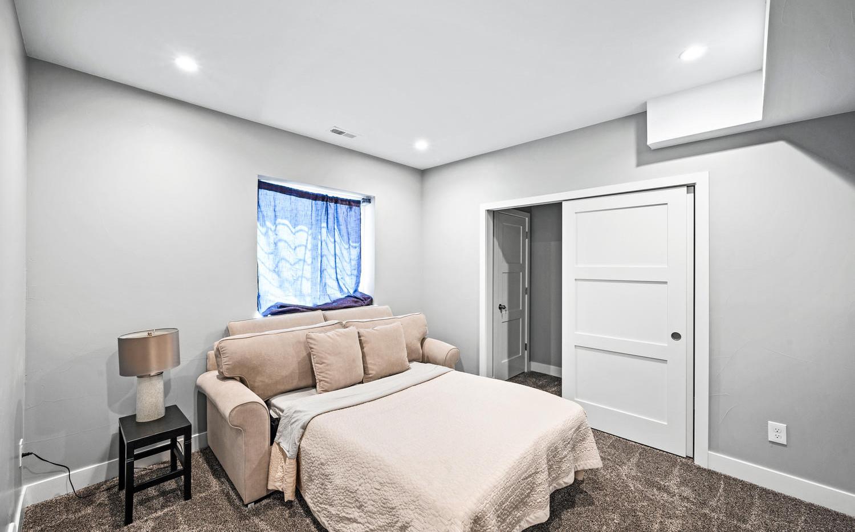 2540 Xavier Street-large-046-049-Bedroom
