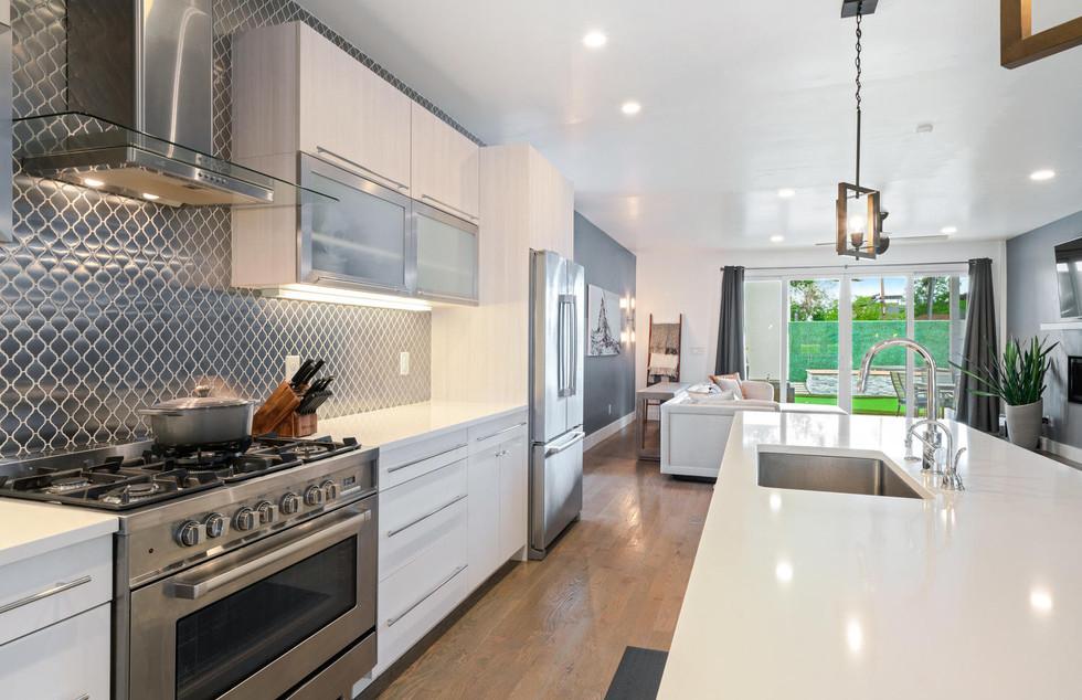 3424 W 18th Avenue-large-006-009-Kitchen
