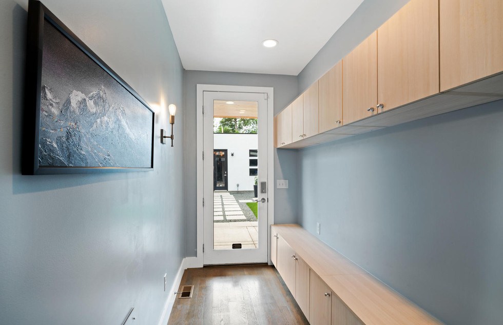 3424 W 18th Avenue-large-021-008-Mudroom