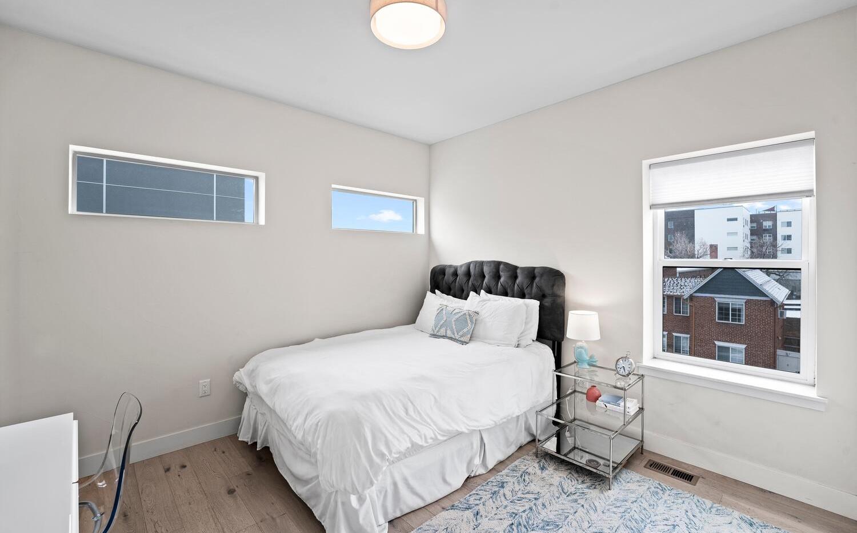 4031 W Conejos Pl-large-023-024-Bedroom-