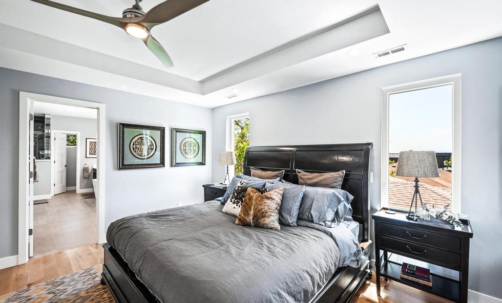 2540 Xavier Street-large-020-015-Bedroom
