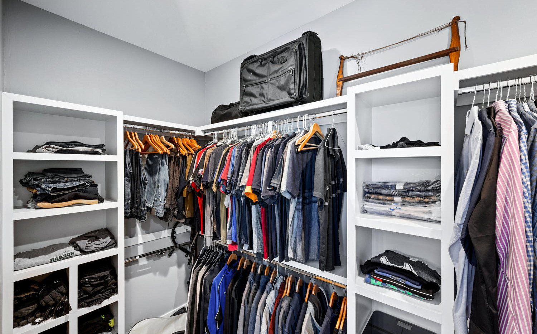 2540 Xavier Street-large-029-020-Closet-