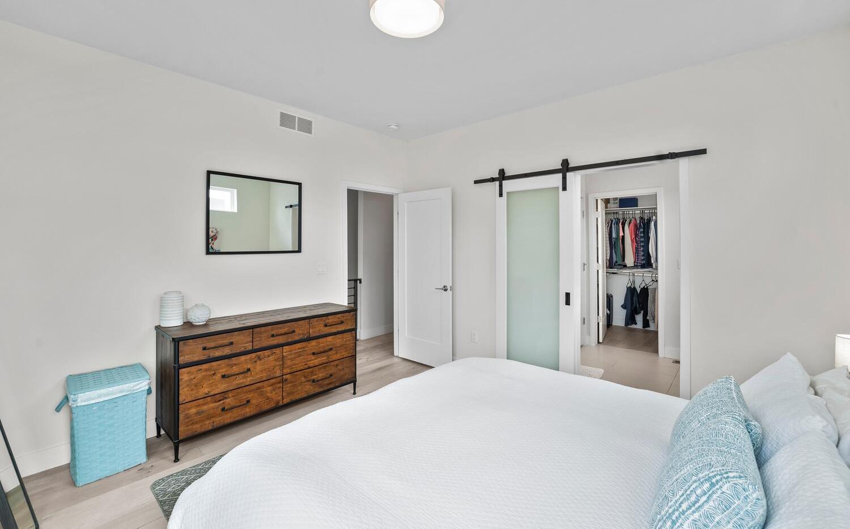 4031 W Conejos Pl-large-027-027-Bedroom-