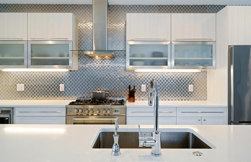 3424 W 18th Avenue-large-008-013-Kitchen