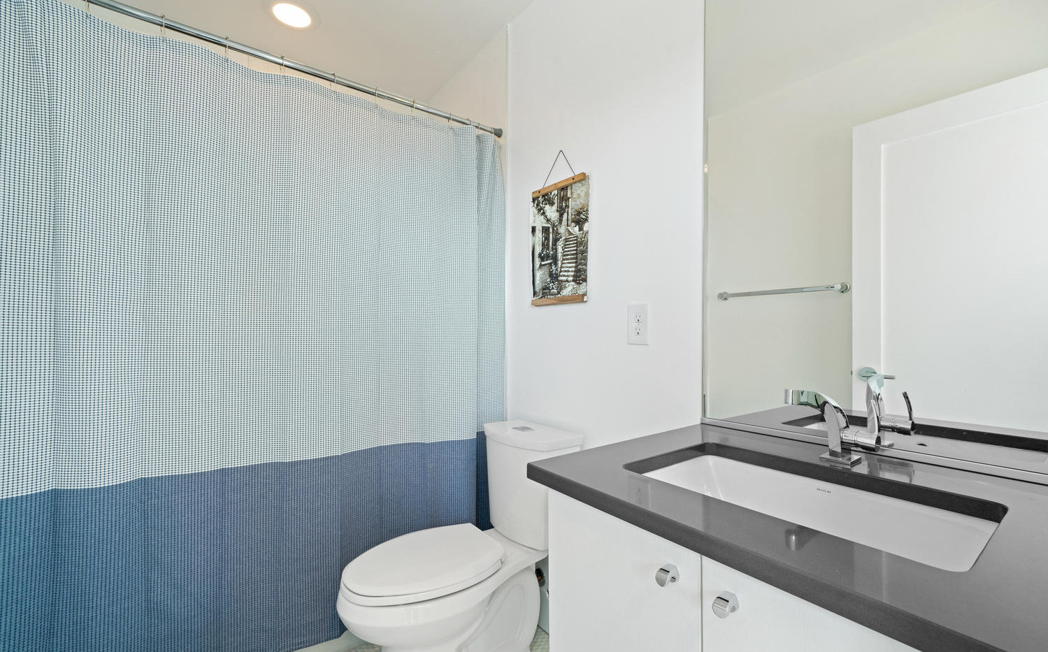 3424 W 18th Avenue-large-041-034-Bathroo