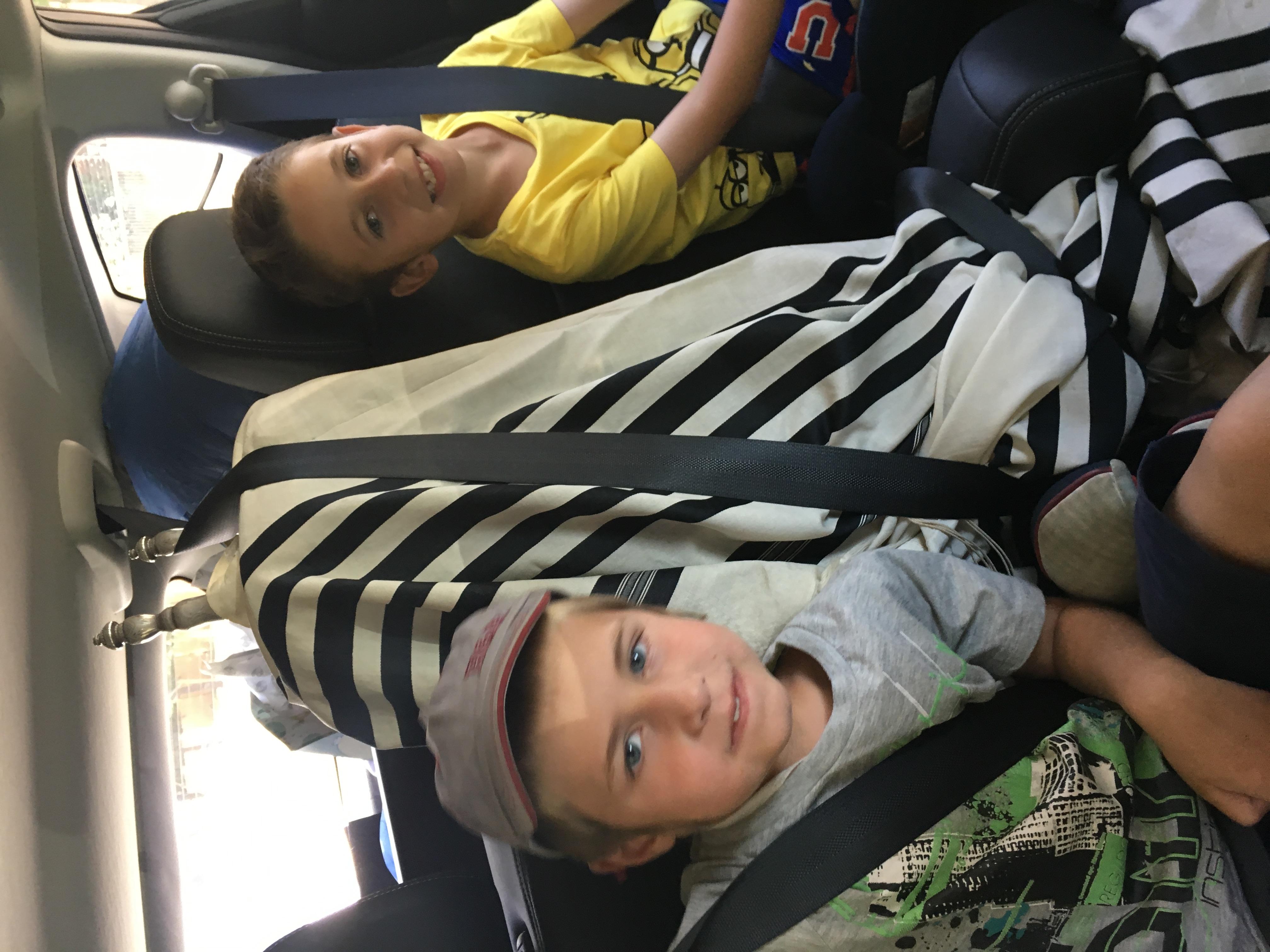 Llevando el Sefer Torah para Shabat