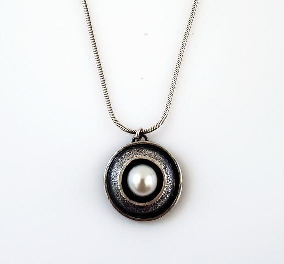 Small Single Pearl 5.jpg
