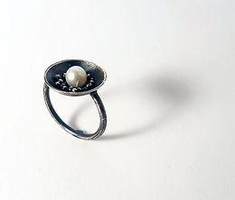 argentium ring w/ pearl