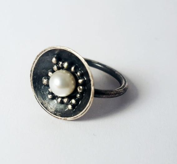 Pearl Ring down.jpg