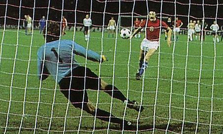 Antonín Panenka's famous winning penalty kickinfinal of European Champiosnhip 1976 againstGermany