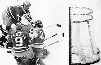 Jaroslav Holík scores to make 3-2 against USSR in World Champioship 1972. This goal assured the title of World Champion for Czechoslovakia