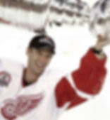 Dominik Hašek (Detroit Red Wings) with Stanley Cup 2002
