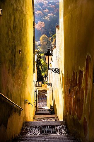 One of narrow lanes to Úvoz from Loretánská street, Prague, Czechia