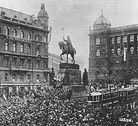 Celebrations ofthe independence on Wenceslas Square, 28th October 1918