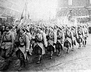 Czech Legionsaccompany president Masaryk,returning to Prague, on 20th December 1918