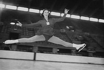 Alena Vrzáňová - double World champion in figure skating
