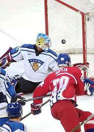 Jiří Dopita scores in final Czechia-Finland on WCH 2001 in Germany