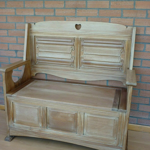Stunning Arts and Crafts C1900 Bleach Mahogany Settle, Hall bench, Monks bench.