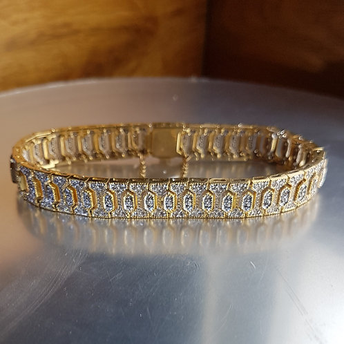 Exquisite FINE 18ct Yellow and White gold Heavy Diamond bracelet 3.36ct