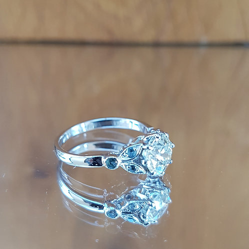 Exquisite Platinum 1.0ct OLD CUT solitaire diamond ring with Topaz shoulders