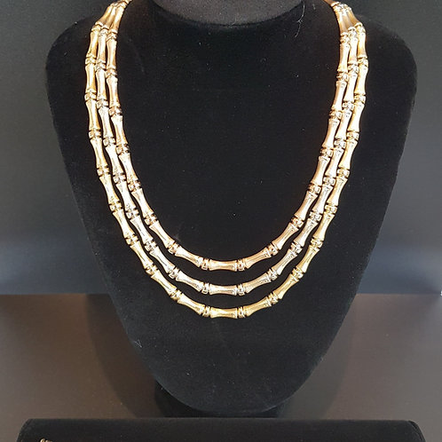 Exquisite 18ct gold Necklace and Bracelet set. You will not see better!